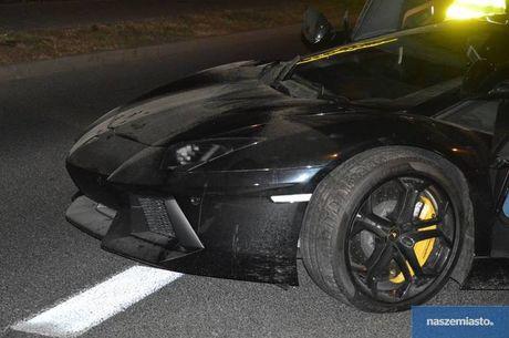 Lamborghini Aventador mat trom tai Duc bi 'bo roi' o Ba Lan - Anh 7