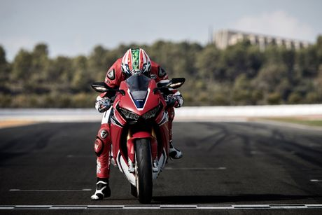 Lan dau nghe tieng po cua sieu mo to Honda CBR1000RR SP 2017 - Anh 5