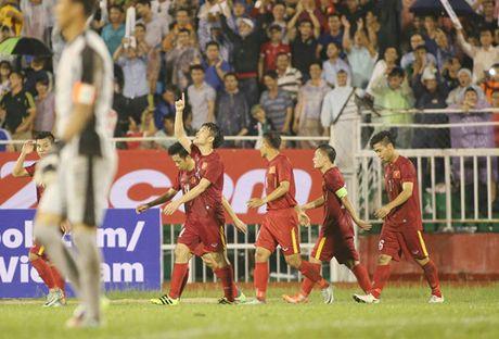 Tan HLV Incheon United theo doi sat sao Xuan Truong qua truyen hinh - Anh 2
