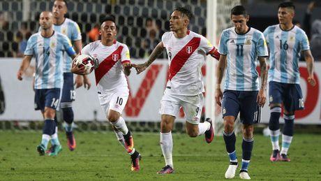 "Peru 2-2 Argentina: Lai ""ban nham vao chan""! - Anh 3"