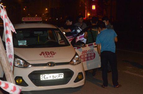 Ha Noi: Bat tai tran ten cuop dung dao cua co tai xe taxi trong dem - Anh 8