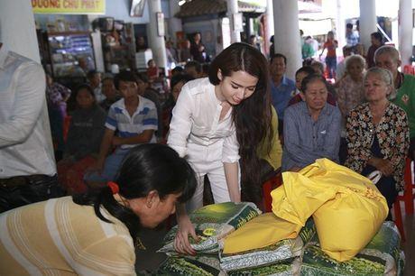 Phan Thi Mo ky niem sinh nhat bang chuyen di tu thien y nghia - Anh 3