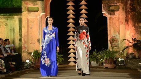 Cung ngam 32 BST trong Festival Ao dai Ha Noi 2016 - Anh 16