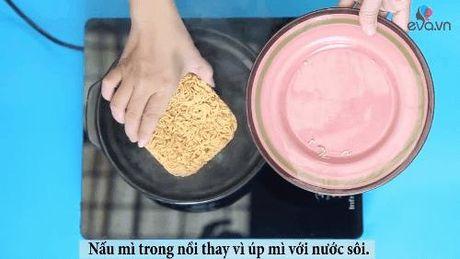 "Chuyen chua biet ve mi an lien ""than thanh"" va cach nau mi dam bao suc khoe - Anh 6"