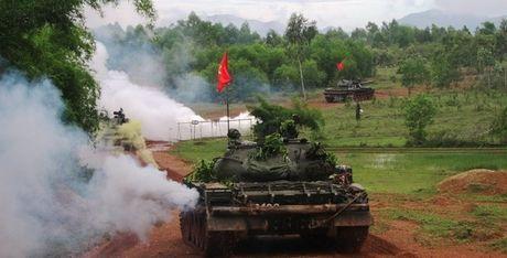 He lo bat ngo ve linh xe tang Viet Nam: Ai 'suong', ai 'kho' nhat? - Anh 1