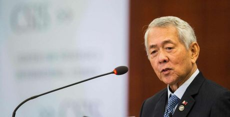 Ngoai truong Yasay: Philippines khong lien minh quan su voi TQ - Anh 1