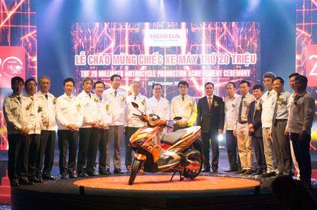 Honda Viet Nam chao mung san luong 20 trieu xe may - Anh 1