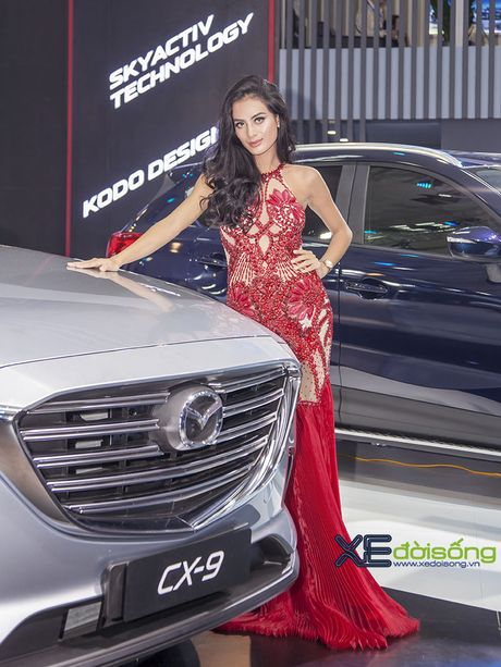 Nguoi dep Nhu Van, Minh Tu cuon hut tren san dien Mazda - Anh 3