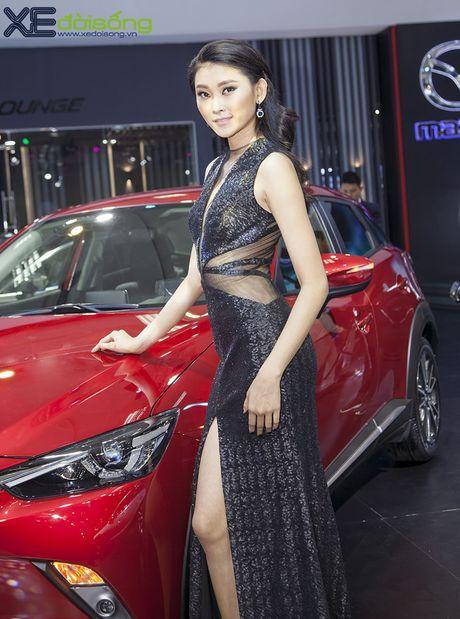 Nguoi dep Nhu Van, Minh Tu cuon hut tren san dien Mazda - Anh 8
