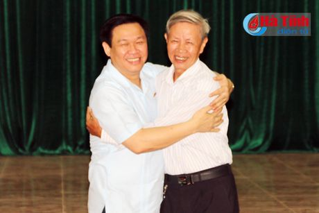 Pho Thu tuong Vuong Dinh Hue chia se kho khan voi tieu thuong cho Son - Anh 4