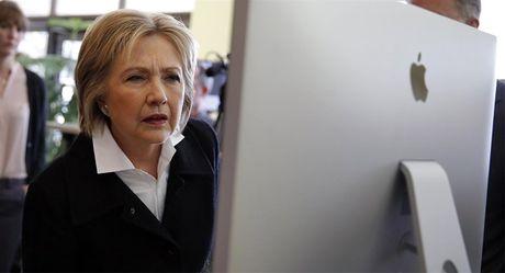 Dang Cong hoa My tung 'don hiem' nham vao ba Hillary Clinton - Anh 1