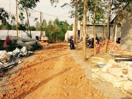 Ba Vi (Ha Noi): Cong trinh hang tram m2 xay dung tren dat nong nghiep, UBND xa Cam Thuong xu ly tren giay - Anh 3