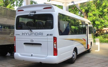 Can canh xe buyt Hyundai E–County XL 29 cho ngoi gia 1,275 ty dong - Anh 4