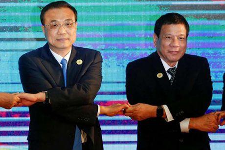 Philippines khong co y dinh lap lien minh quan su voi Trung Quoc - Anh 1