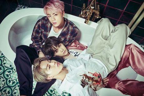 Vua bay sach 500.000 album dat truoc, BTS tung teaser nhu 'cau am con nha giau' - Anh 13