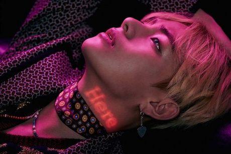 Vua bay sach 500.000 album dat truoc, BTS tung teaser nhu 'cau am con nha giau' - Anh 7