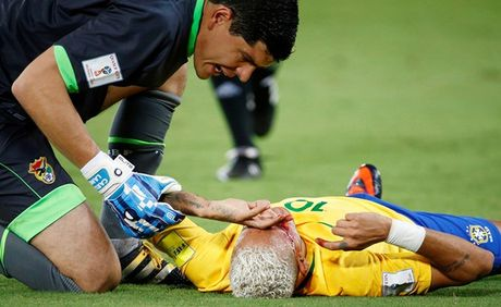 Can canh Neymar do mau - Anh 4