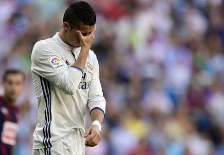 Zinedine Zidane thua nhan kha nang bi Real sa thai - Anh 1