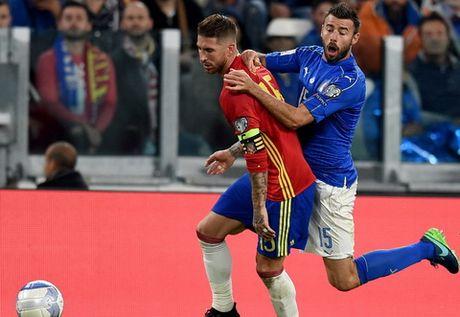 "Vitolo: ""Toi soc khi Buffon mac sai lam"" - Anh 1"