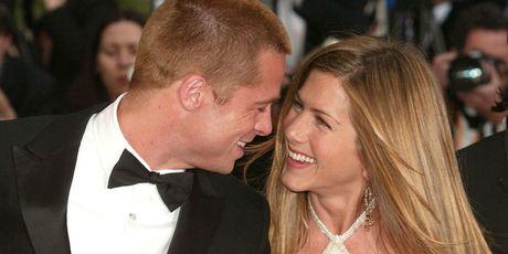 Brad Pitt len gap Jennifer Aniston tam tinh sau khi ly hon Angelina Jolie? - Anh 2