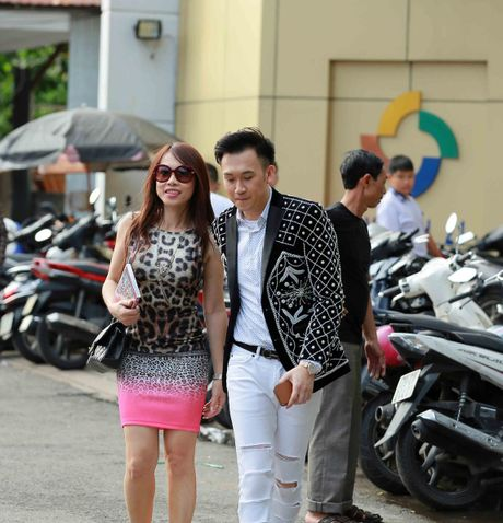 Em gai Hoai Linh ve nuoc xem Duong Trieu Vu lam giam khao - Anh 2