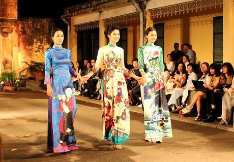Festival Ao dai Ha Noi 2016: Nhieu hoat dong hua hen hap dan du khach - Anh 4