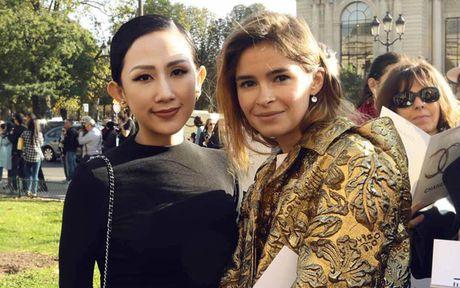 Tram Nguyen 'do sac' cung bieu tuong thoi trang Nga - Mira Duma - Anh 5