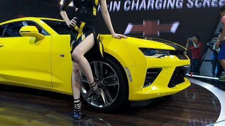 Can canh Chevrolet Camaro SS vang den tai VMS 2016 - Anh 11