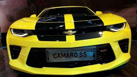 Can canh Chevrolet Camaro SS vang den tai VMS 2016 - Anh 12