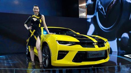 Can canh Chevrolet Camaro SS vang den tai VMS 2016 - Anh 1