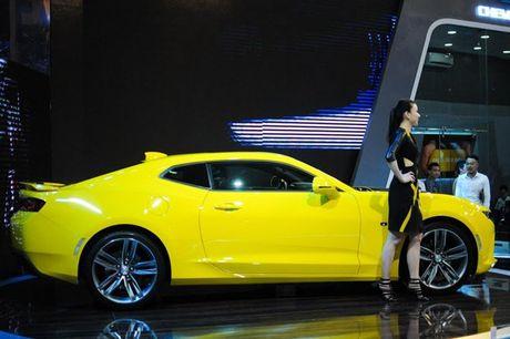 Can canh Chevrolet Camaro SS vang den tai VMS 2016 - Anh 2