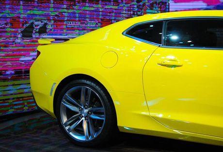 Can canh Chevrolet Camaro SS vang den tai VMS 2016 - Anh 9