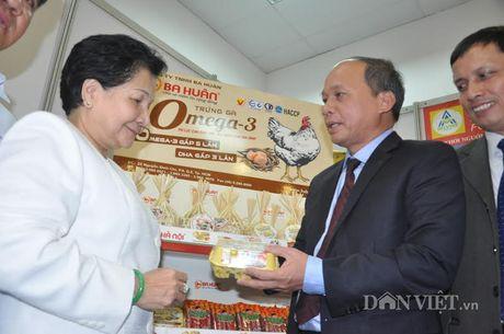 Khach hao hung voi nong san thuc pham sach tai le ky ket cua 15 DN - Anh 15
