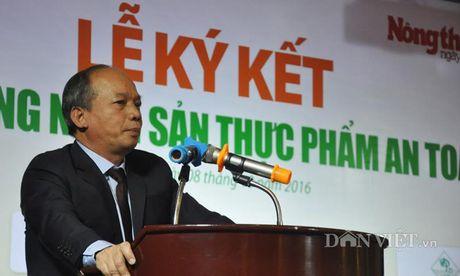 Khach hao hung voi nong san thuc pham sach tai le ky ket cua 15 DN - Anh 1