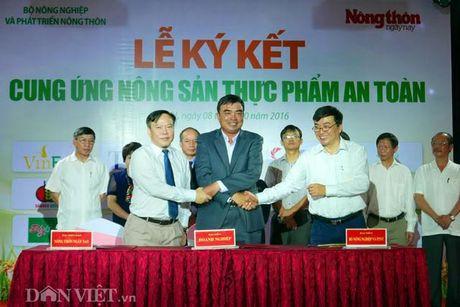 Khach hao hung voi nong san thuc pham sach tai le ky ket cua 15 DN - Anh 7