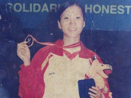 Chuyen cam dong ve hoa khoi da cau Huyen Trang bi ung thu - Anh 2
