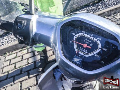 Nam thanh nien vuot 18.000 km den Duc bang Honda Super Cub - Anh 8