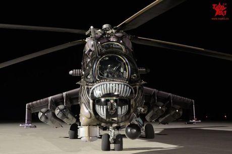 Ron toc gay lop nguy trang cua 'xe tang bay' Mi-24 - Anh 4