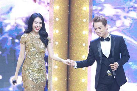 Thuy Tien tai hop Dang Khoi the hien ban hit dinh dam - Anh 2