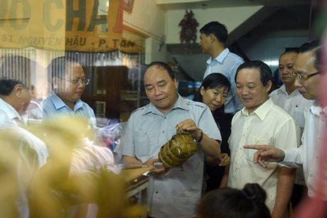 Chuyen 'vi hanh' mang nhieu thong diep cua Thu tuong Nguyen Xuan Phuc - Anh 5