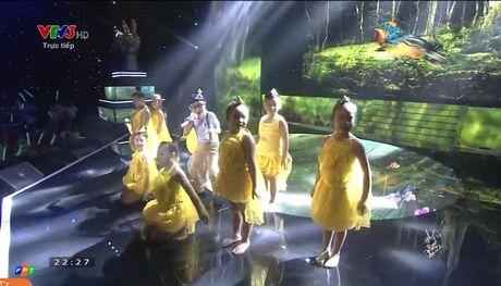 Giong hat Viet nhi 2016 liveshow 4: Giong ca ngoai Chiara bat ngo bi loai - Anh 23