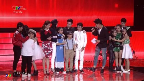 Giong hat Viet nhi 2016 liveshow 4: Giong ca ngoai Chiara bat ngo bi loai - Anh 25