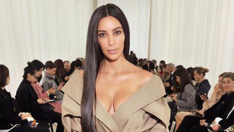 "Kim Kardashian bi cuop 10 trieu USD ngay o Paris: Tat ca vi toi ""khoe cua""? - Anh 1"