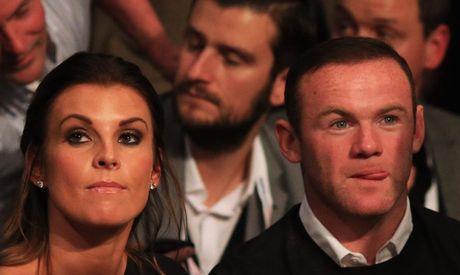 Thay tro Rooney bi cao buoc tron thue truoc tran gap Andorra - Anh 2