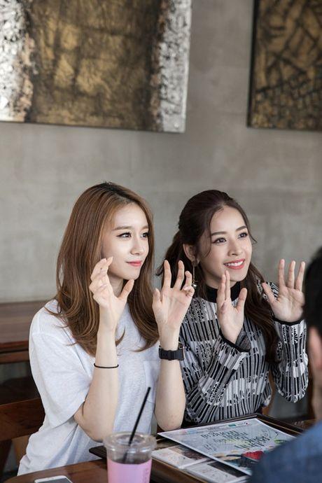 Ji-yeon (T-ara) om ap Chi Pu va muon dong phim tai Viet Nam - Anh 10