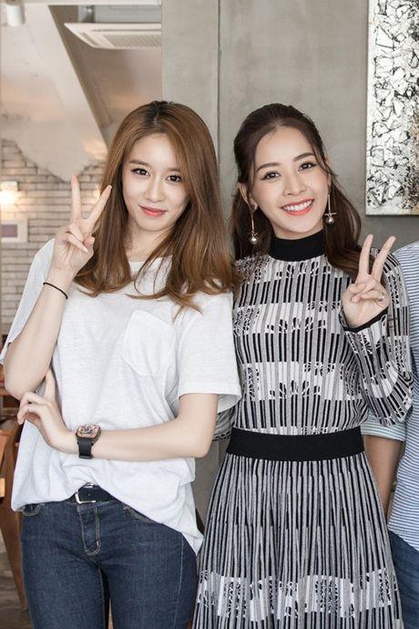 Ji-yeon (T-ara) om ap Chi Pu va muon dong phim tai Viet Nam - Anh 11