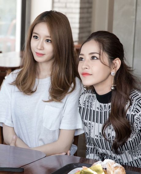 Ji-yeon (T-ara) om ap Chi Pu va muon dong phim tai Viet Nam - Anh 4