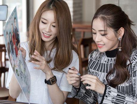 Ji-yeon (T-ara) om ap Chi Pu va muon dong phim tai Viet Nam - Anh 6