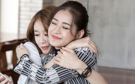 Ji-yeon (T-ara) om ap Chi Pu va muon dong phim tai Viet Nam - Anh 7