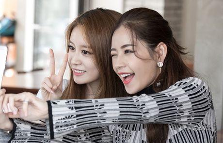 Ji-yeon (T-ara) om ap Chi Pu va muon dong phim tai Viet Nam - Anh 9